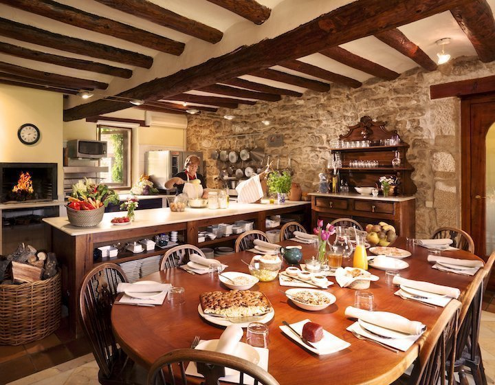 open kitchen dining la torre del visco hotel